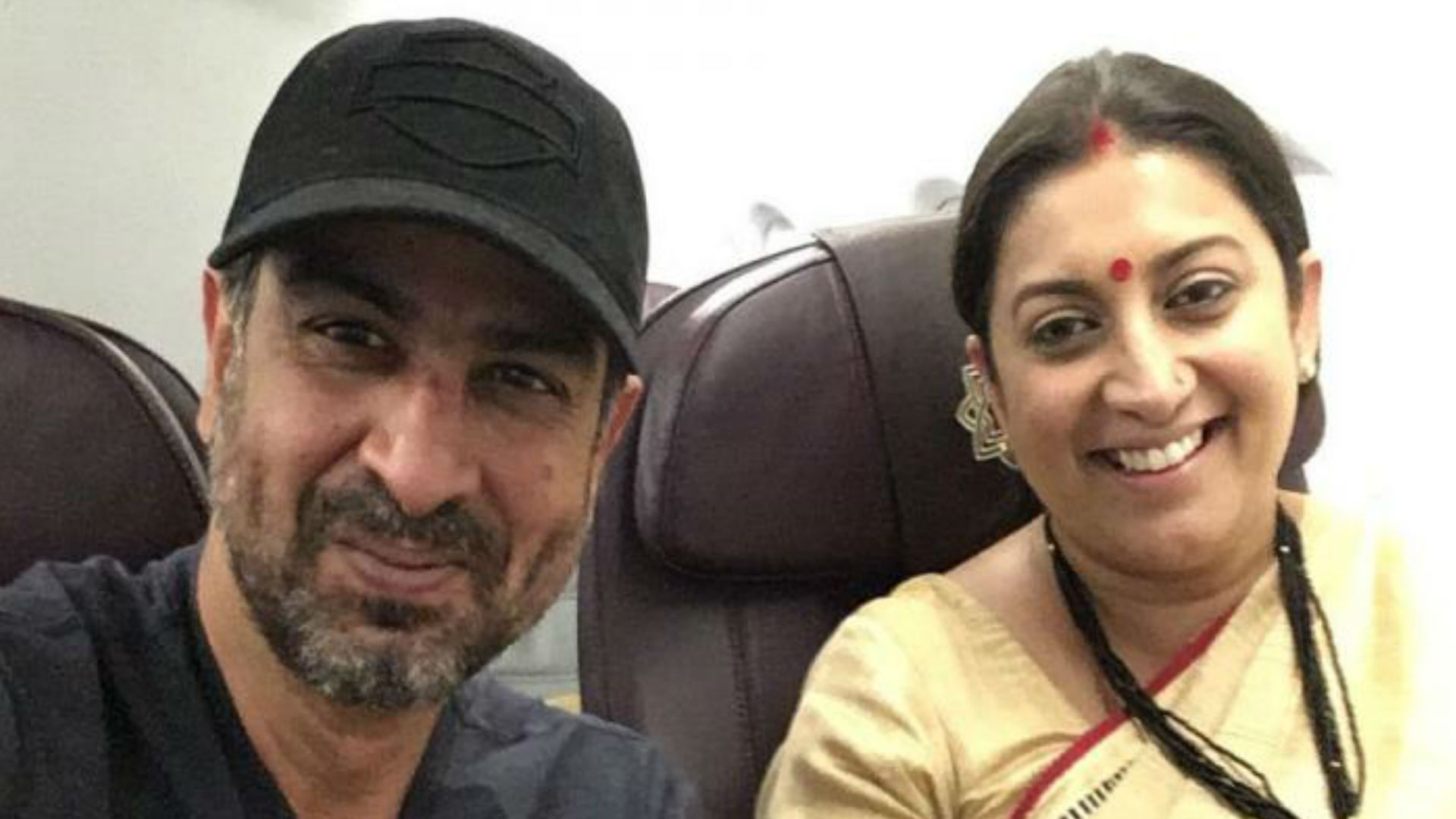 Actor Ronit Roy wishes Kyunki Saas Bahu Hoti Co-Star Smriti Irani