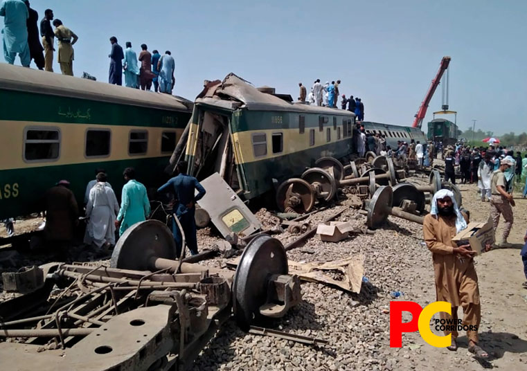 At least 50 killed as passenger trains collide in Pakistan